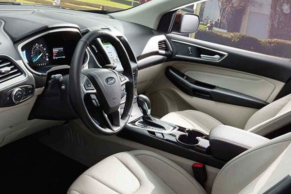 2018 Ford Edge - Interior